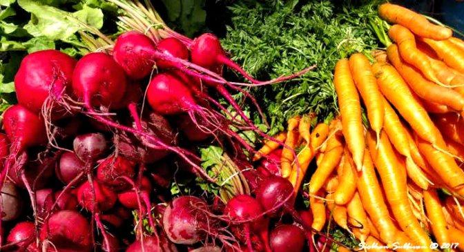 Farmer's Market produce in Bend, Oregon 12July2017