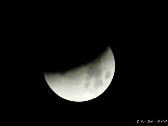 Less can reveal more Lunar eclipse 30January2018