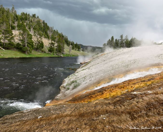 Yellowstone NP - Firehole River, Midway Geyser Basin 5June2015