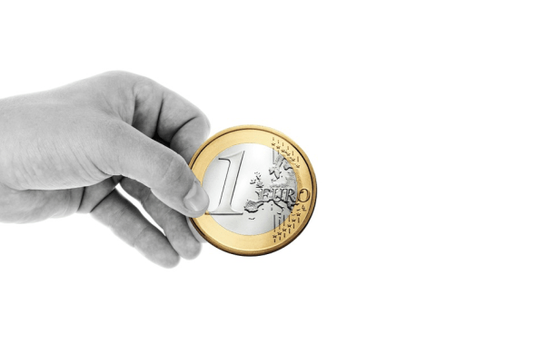 Einnahmen als Einzahlung in der Kasse buchen. Grundlagen der Buchführung.