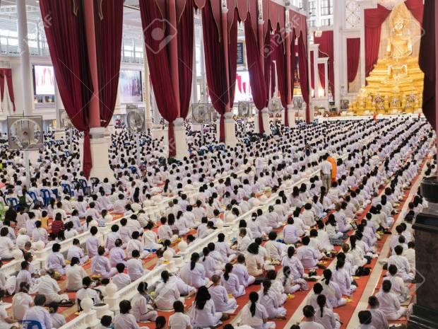Medditators White Dress Buddhist Meditation Sitting Thousands of