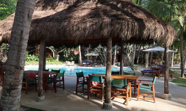 Beach Side Pool Coco Grove mit Esstischen und co