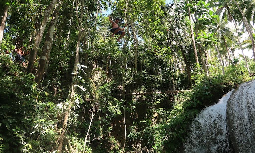 Crazy Pinoy 10 Meter Jump into Lugnason Fall