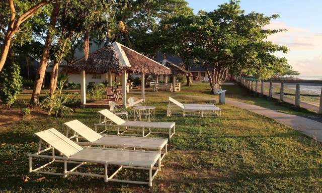 Morgensonne am St. Monica Beach Club in Dumaguete