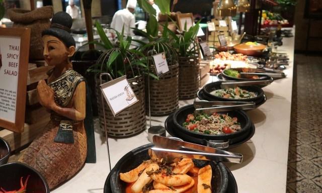 Thailand Corner Dinner Buffet im Spiral Restaurant im Sofitel Manila
