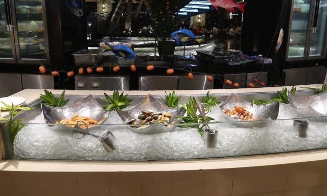 Seafood beim Dinner Buffet im Spiral Restaurant im Sofitel Manila
