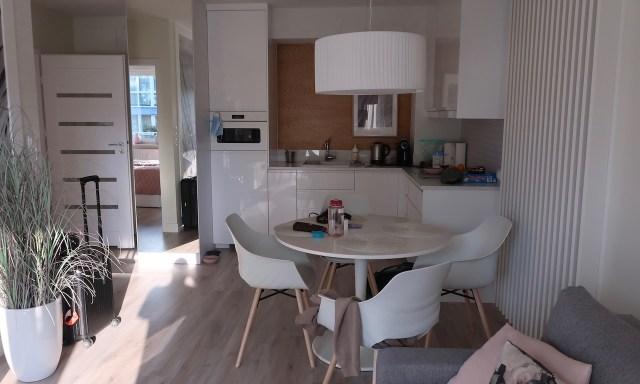 Appartment Blue Mare Blizej Morza in Kolberg Wohnzimmer und Wohnküche