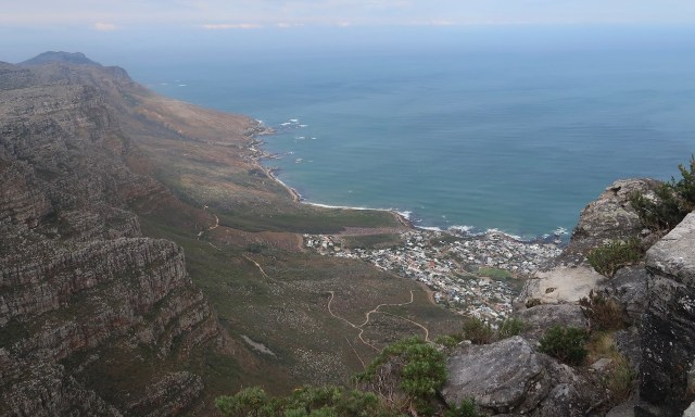 Blick entlang der 12 Apostels und Camps Bay