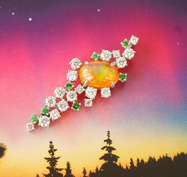 【カスタマイズ例】ご自身のダイヤモンドクロスをリフォーム。美しいオパールに宇宙観を添える。