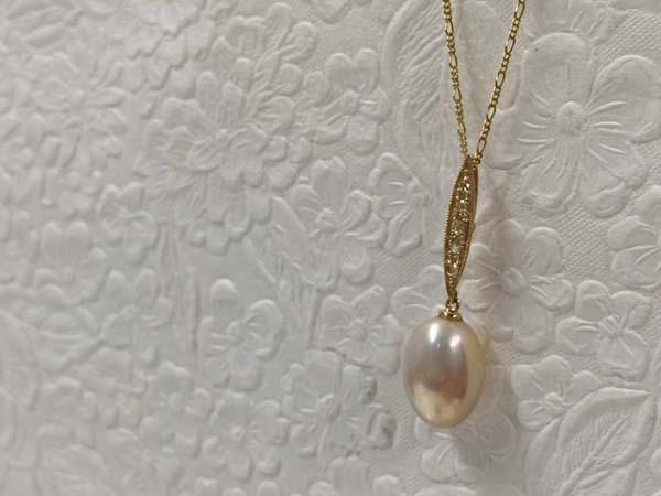 【カスタマイズ例】湖水真珠で気品溢れるペンダント