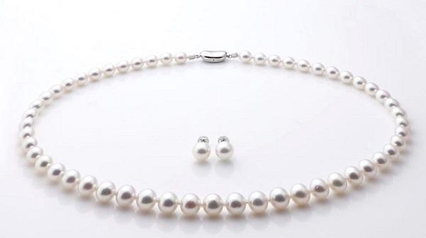 弔事装い正しい真珠2