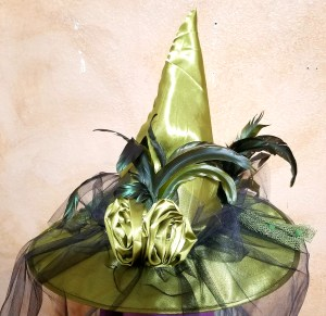 Witch Envy - Green witch hat with black veil