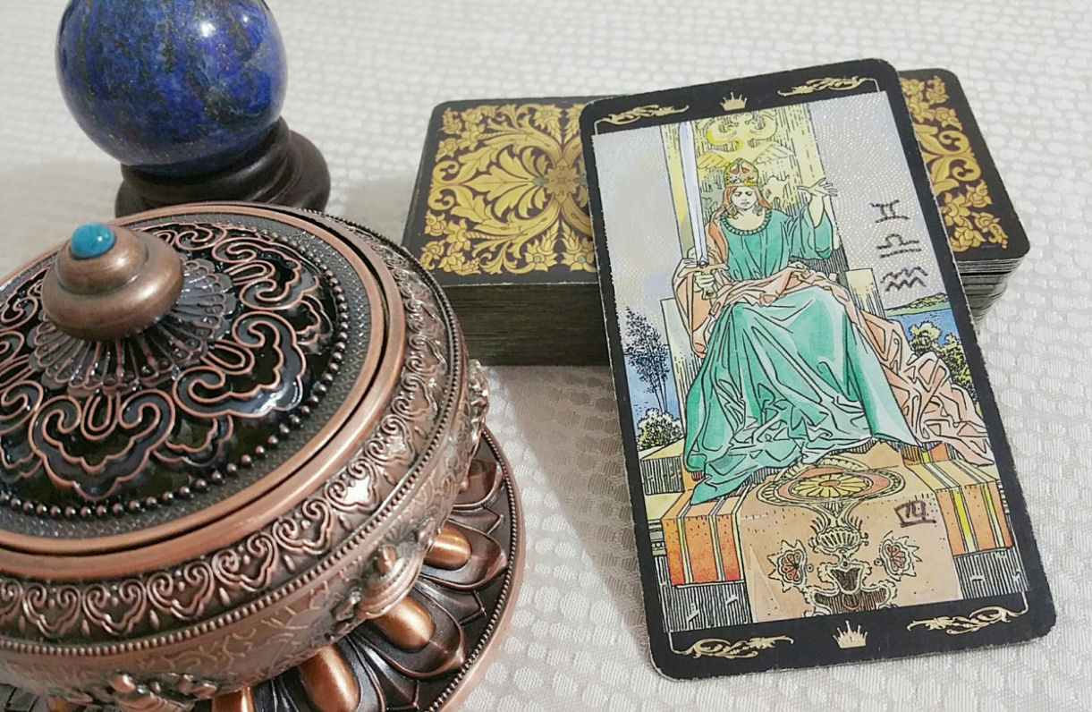 Your Year Ahead Twelve Month Tarot Forecast Reading