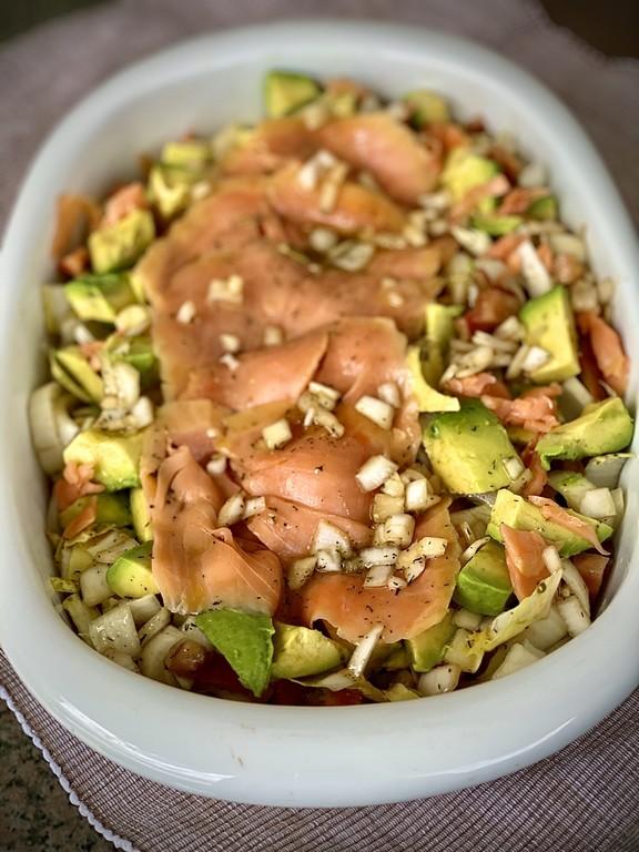 La imagen tiene un atributo ALT vacío; su nombre de archivo es receta-endivias-con-salmon-ahumado-benfumat-2-1.jpg