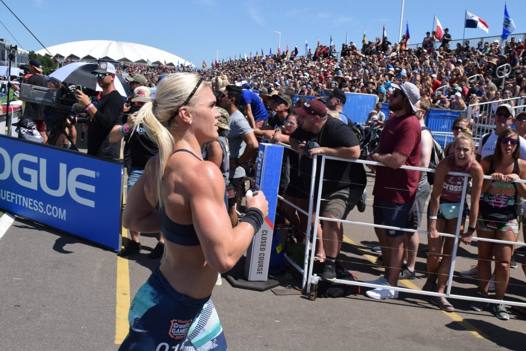 Katrin Davidsdottir begins a run between legless rope climbs at the 2019 CrossFit Games