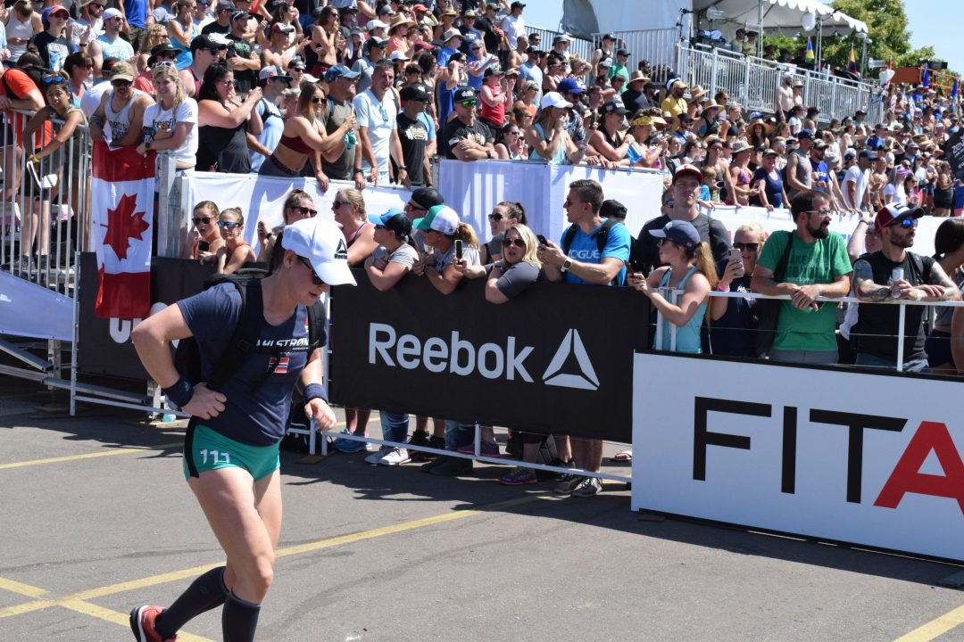 Jacqueline Dahlstrøm competes in the Ruck Run event at the 2019 CrossFit Games.