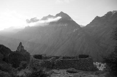 The tambo Runkuraqay in early morning - Day 3