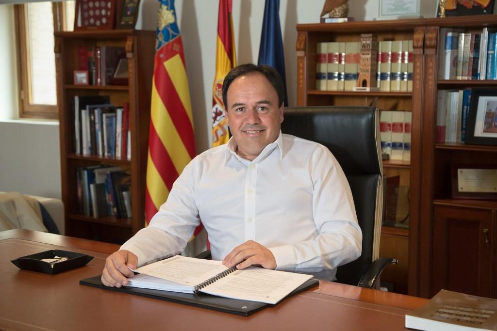 juan-francisco-perez-alcalde-finestrat-empleo-1