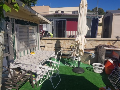 Touring caravan and awning for sale on Camping Arena Blanca in Benidorm