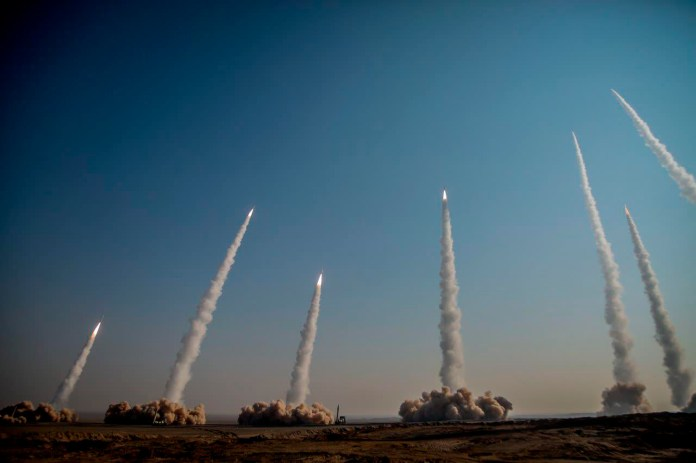 Le Hamas lance une roquette vers le deuxième aéroport d'Israël - Bénin Web  TV