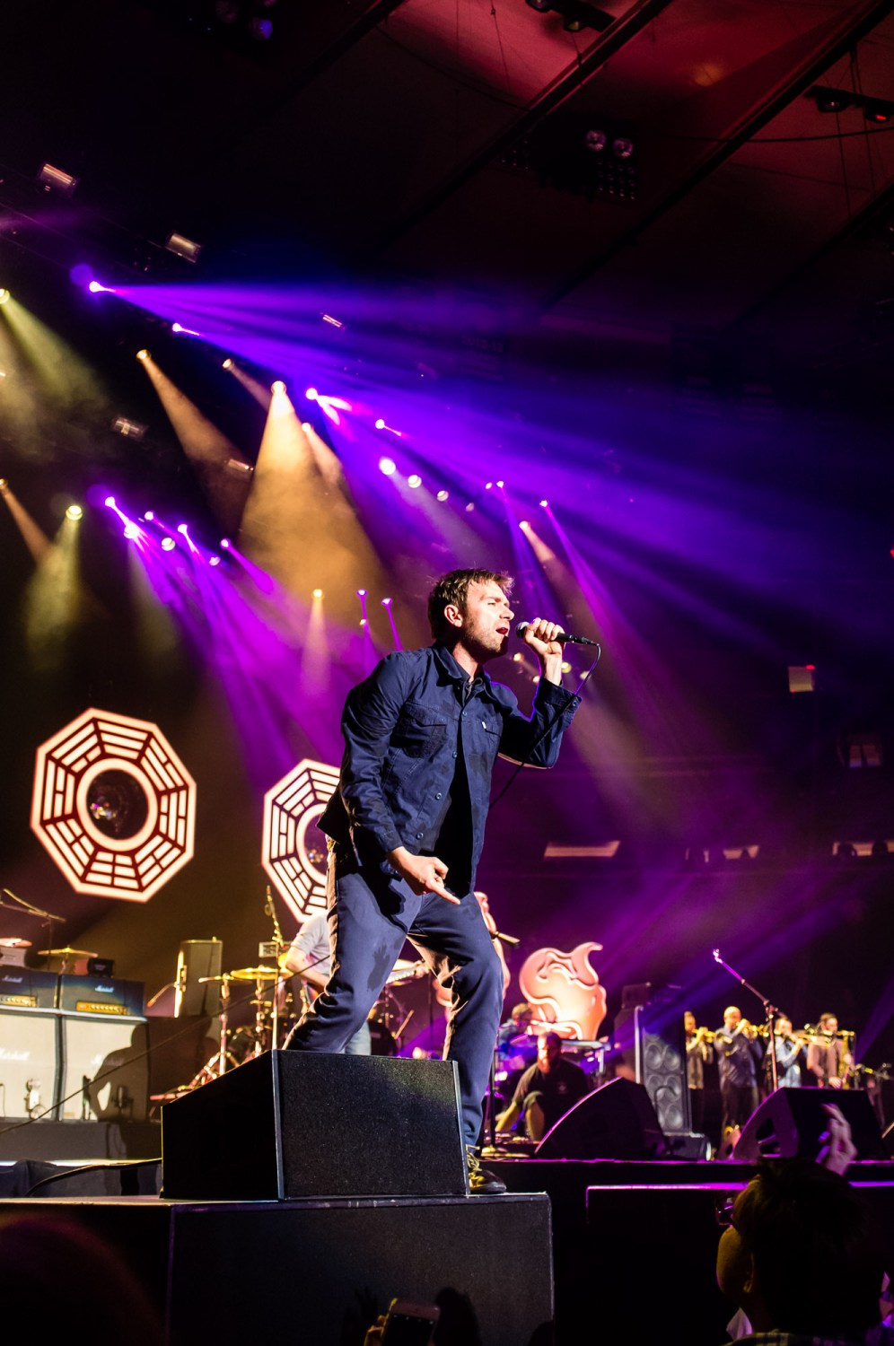 Damon Albarn sings to the crowd at Madison Square Garden