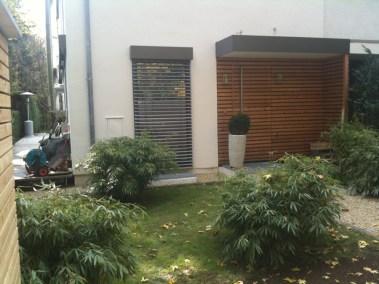 Private Gartenanlage Terasse Dusche Sichtschutz Lärche Rombusschallung unbehandelt