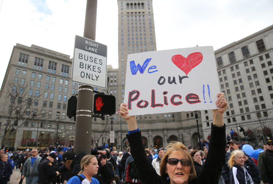 "Cleveland's Pro-Police ""Sea of Blue"" Rally Is a Sea of White"