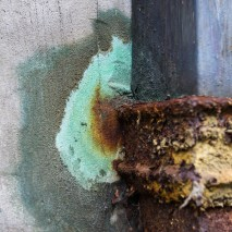 Special colors at the drainpipe