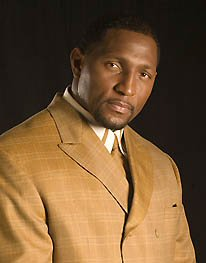 ray-lewis-gold-suit