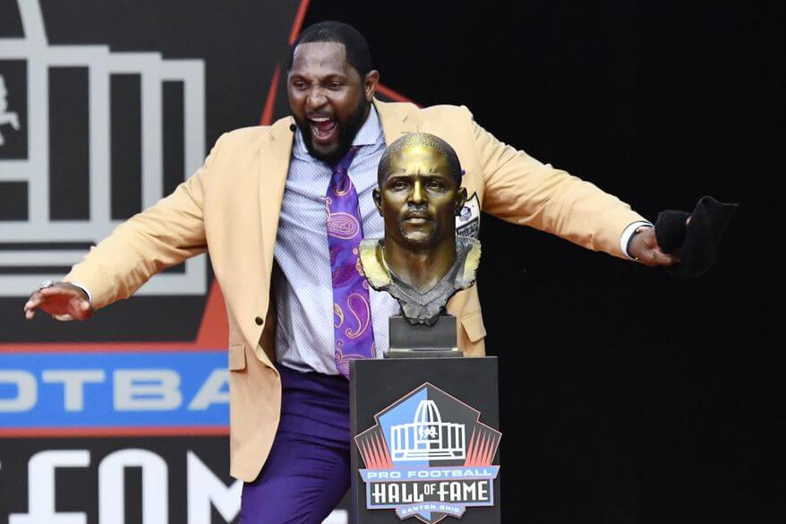 Ray Lewis spent 33 minutes at Hall of Fame thanking Ray Lewis