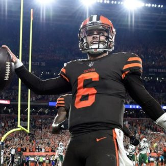 The Cleveland Browns win a football game!