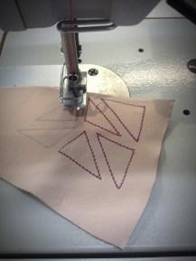 het stikken van de driehoeken