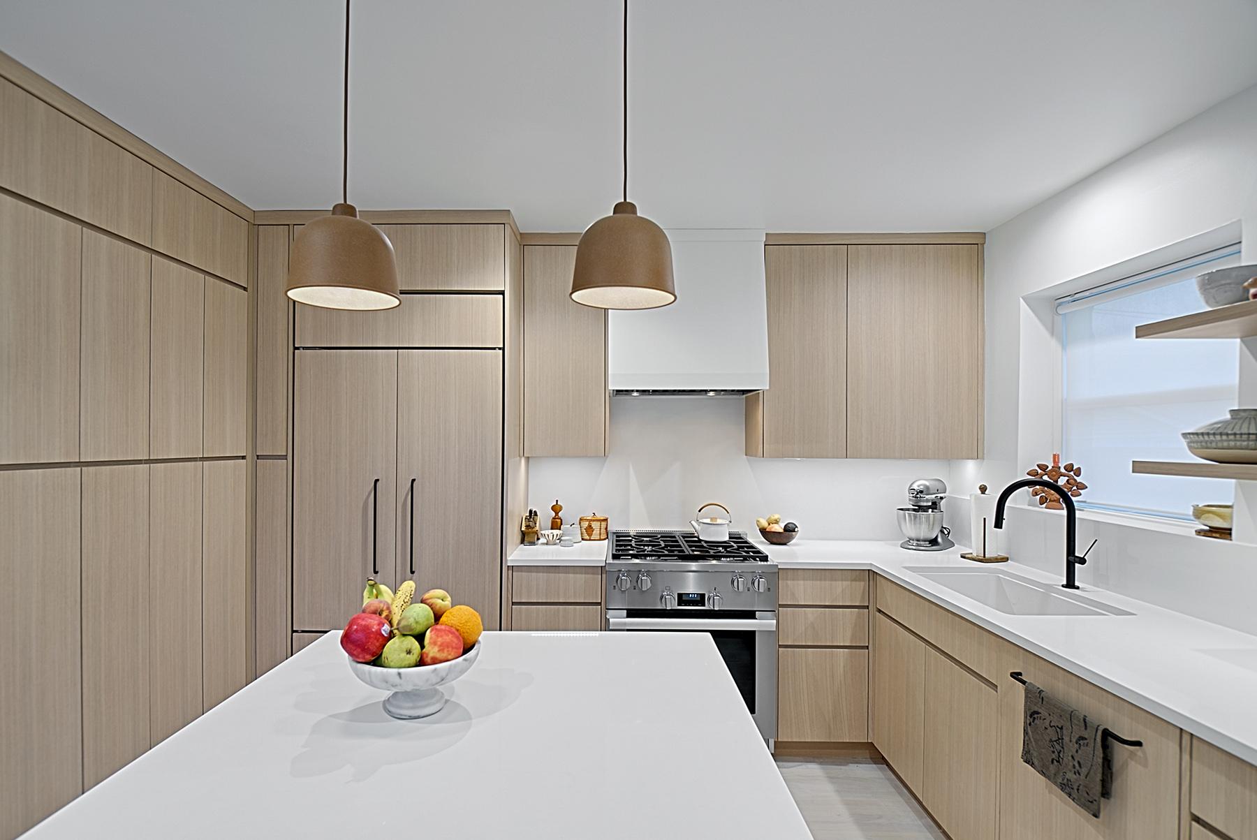 Modern Kitchen Remodel-Chicago - Benvenuti and Stein on Kitchen Remodel Modern  id=75021