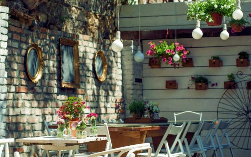 бар двор белград сербия