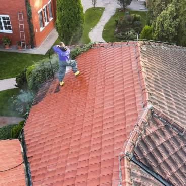 Pranje i čišćenje krovova vodom pod visokim pritiskom | BeoNova Wash