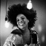 ハスキーボイスのR&B女王 – Macy Gray –