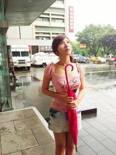 34D女主播 張宇 (1)