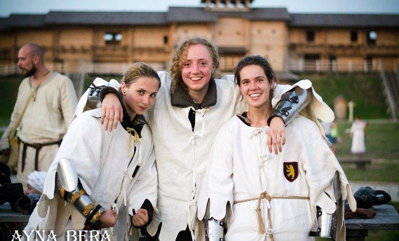 девушки в турнире