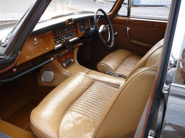 The plush Jaguar Mk X interior with lovely leathery smells!