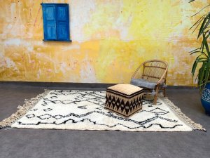 Beni ourain Moroccan area rug 5x7, Azilal hand knotted berber carpet