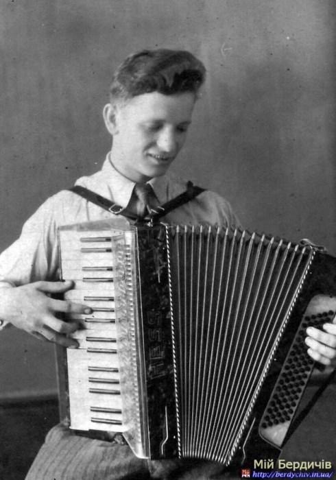 Віталій Лонський в молодості.