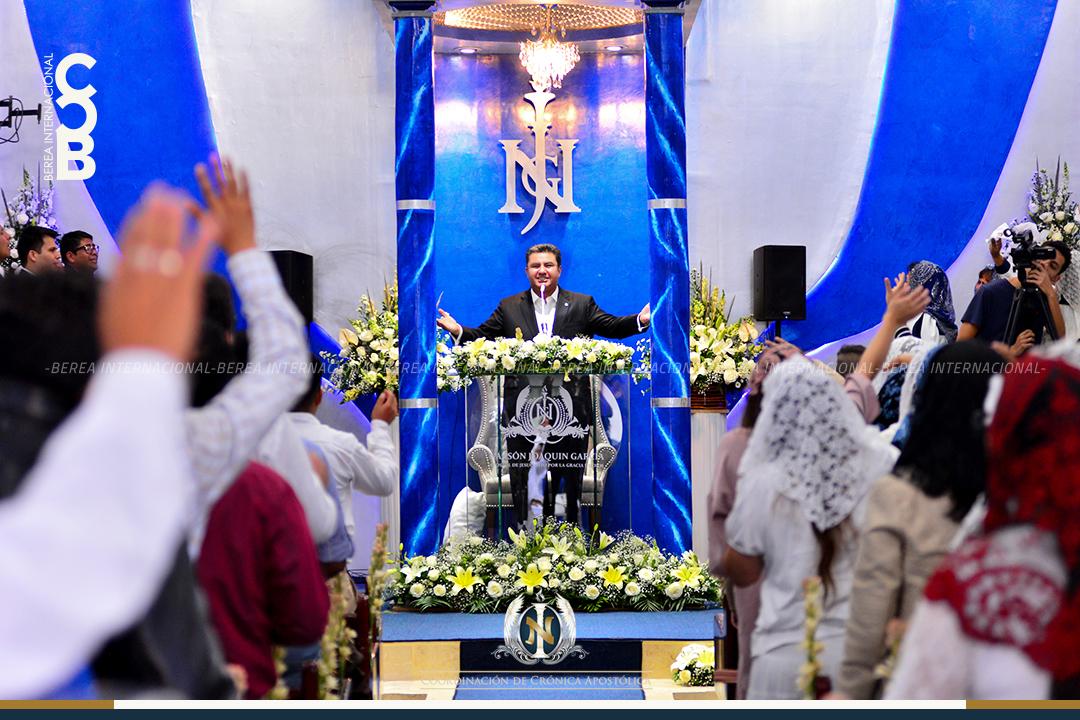 Apóstol Naasón Joaquín visita colonia Lomas de Guayangareo Michoacan Mexico 1