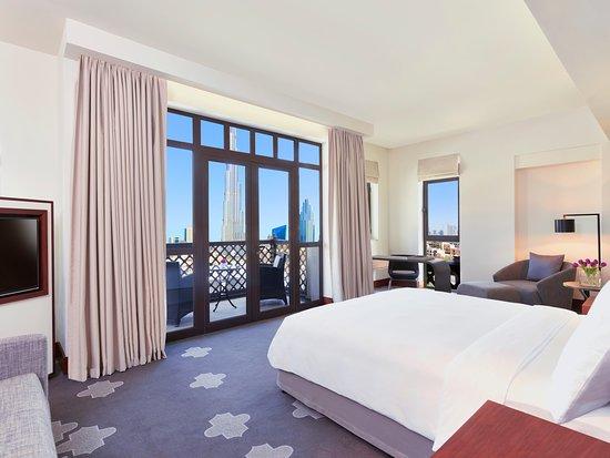 hotel - burj view suite day - Liburan ke Dubai Terasa Lebih Spesial Dengan Menginap di 5 Hotel Ini