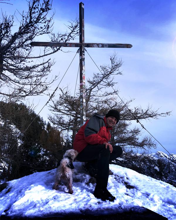 Bergtour mit Hund zum Schoberstein im Winter
