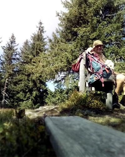 Rastplatz Illingerberg und Apfelkoch bei Wanderung vom Wolfgangsee mit Hund