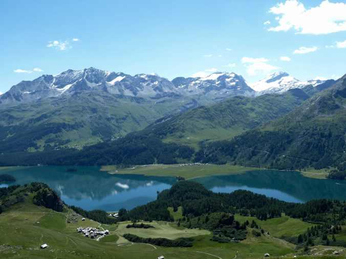 Silser See, unten Grevasalvas, oben Piz Corvatsch und Piz Glüschaint