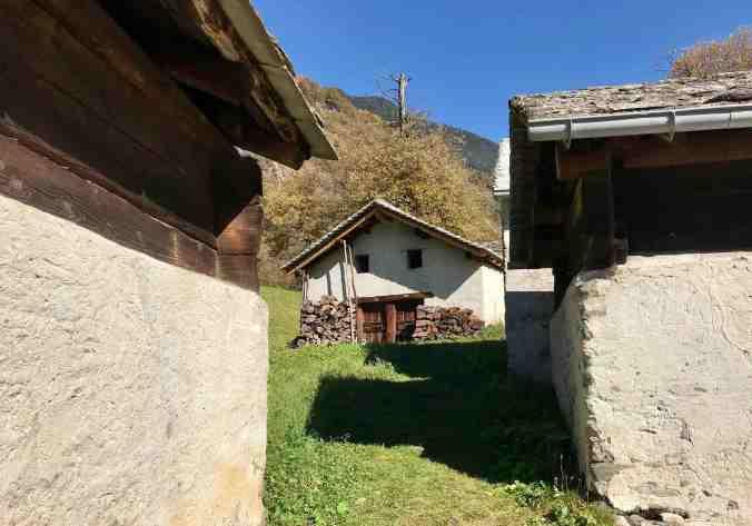 Die Cascine oberhalb von Castasegna