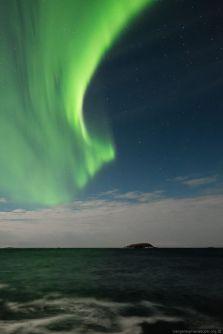 IvanHolmedal_Nordlys over Bøvær