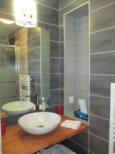 """Chambre """"Coquelicot"""" - salle de bain"""
