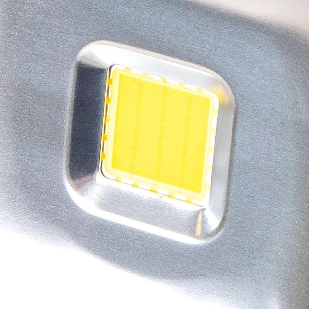 oswietlacz-svart-dioda-COB